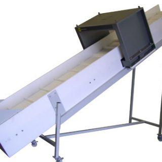 Plastic conveyor