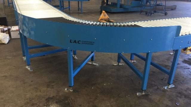 Lineshaft powered roller conveyor