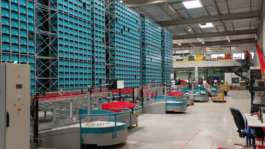 A Robotic Ecommerce Solution that takes up significantly less warehouse space than traditional shelving